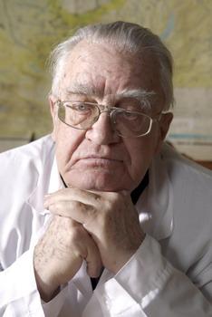 В п казначеев действительный член российской академии медицинских наук доктор медицинских наук