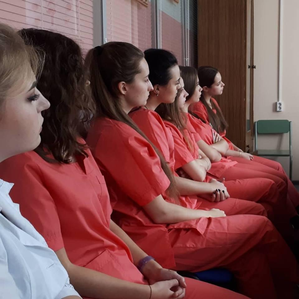 Хирурги рассказали школьникам про пересадку органов и мочекаменную болезнь