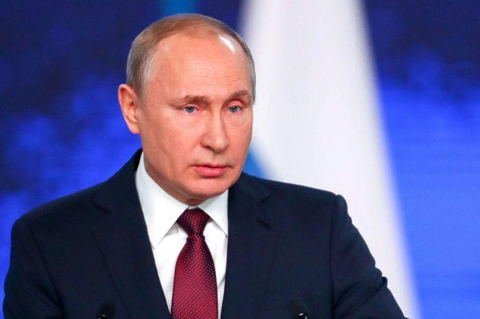 Владимир Путин предложил снять возрастные ограничения для участников программы «Земский доктор»