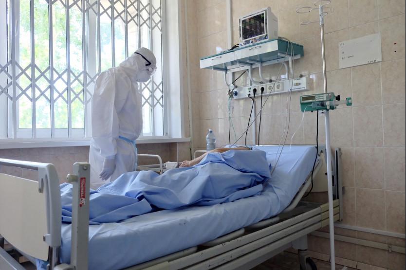 «Очень жалею, что не сделал прививку»: среди 500 пациентов ГКБ №11 – ни одного вакцинированного от коронавируса