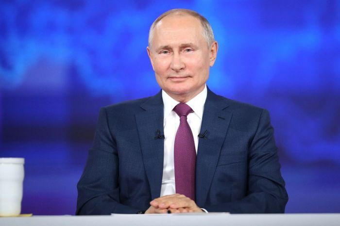 Путин предложил дополнительно поддержать медработников в период пандемии COVID-19